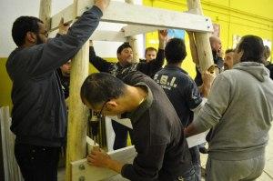Construint el tobogan Escola La Pau